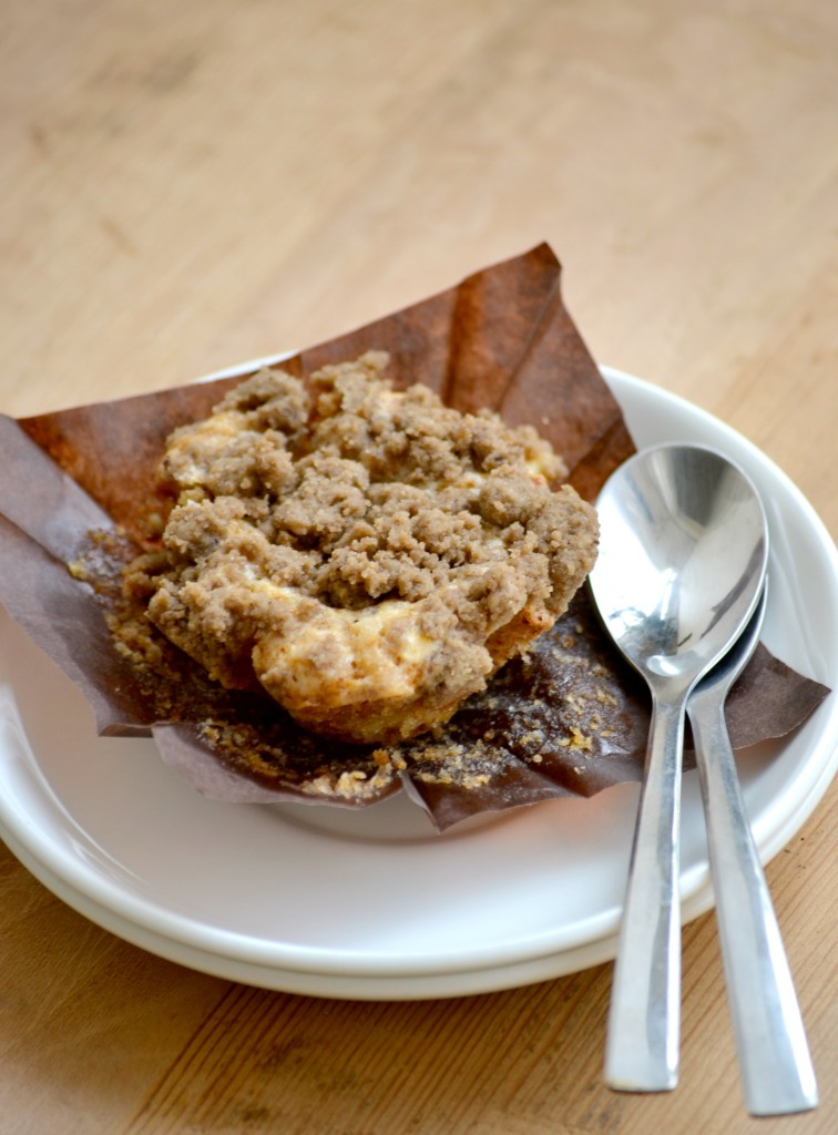 Bakery style eggless banana nut muffins