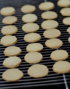 wire-rack-cooling-cutout-cookies |kannammacooks.com #bakery#cookies#teashop#biscuits#recipe