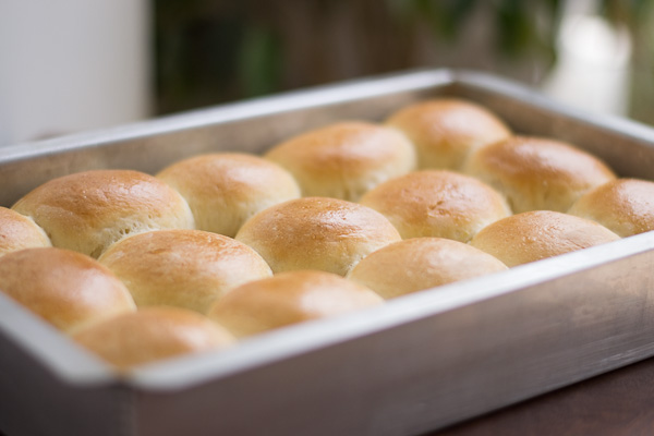 copycat-almost-kings-hawaiian-sweet-buns-recipe-from-scratch |kannammacooks.com #Potuguese #buns #sweet-buns |kannammacooks.com #soft-bread #kings