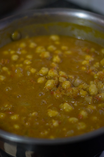 Easy-Chana-Masala-Recipe- Hearty-Indian-Chickpea-curry