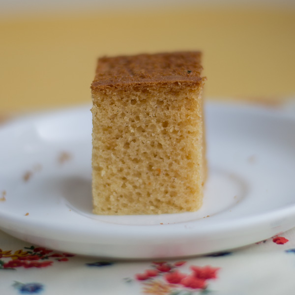 best-basic-eggless-vanilla-sponge-cake-moist-soft-and-fluffy-recipe-slice